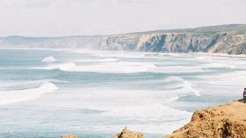 surf guiding surf spot check algarve