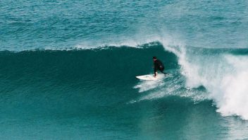 surf in headhigh wave lesson advanced Algarve