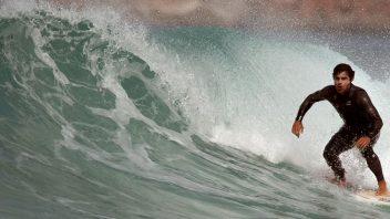 surf headhigh wave advanced lesson