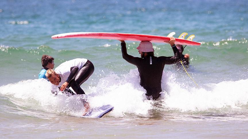 tailored surf lessons karma surf school lisbon